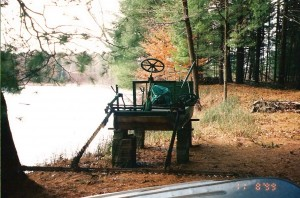 Weed cutter on Dream Lake 19999 [2]